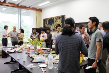 Get Together:外国人学者の着任と離任の記念に開かれる定期懇親会