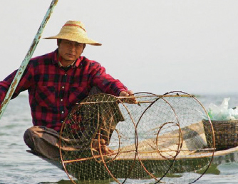 シャン州・インレ湖の漁民