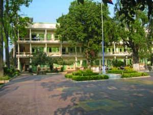 カンボジアの小学校教員養成校