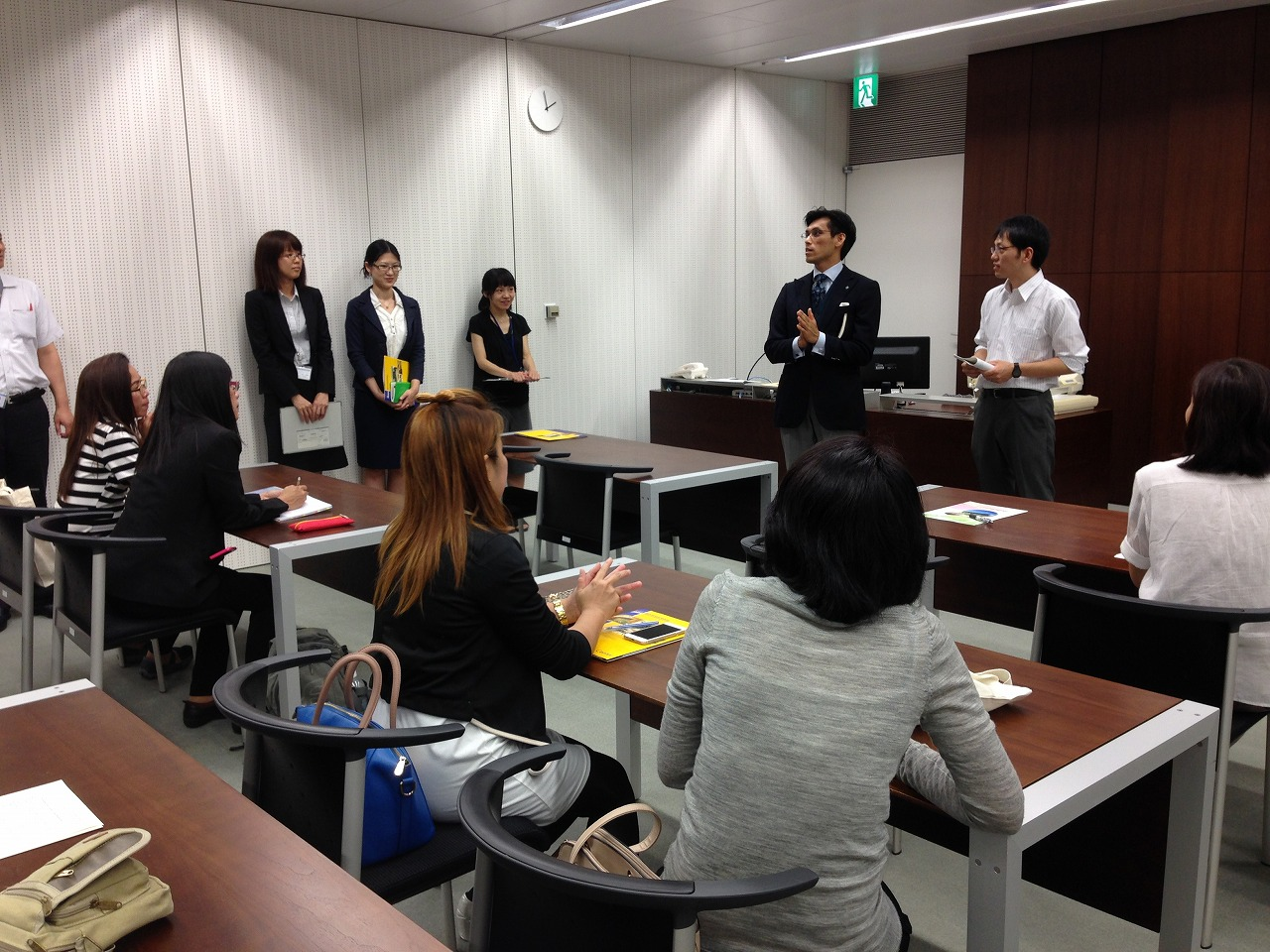 Introduction (of document arrangement?) in Kansai-kan of National Diet Library