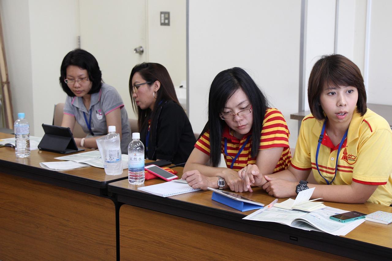 講義(木谷助教):東南アジア逐次刊行物データベース構築スキームの様子 4(共同棟4階セミナー室)