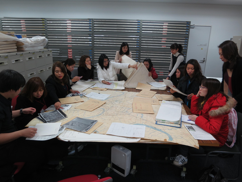 東南アジア地域研究研究所・地図室の視察